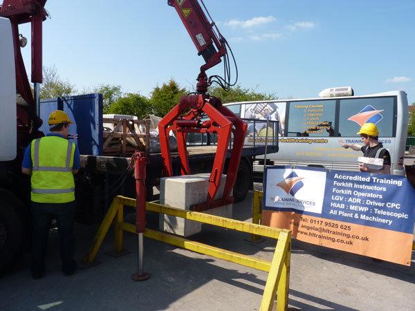 HIAB-Lorry-Mounted-Crane